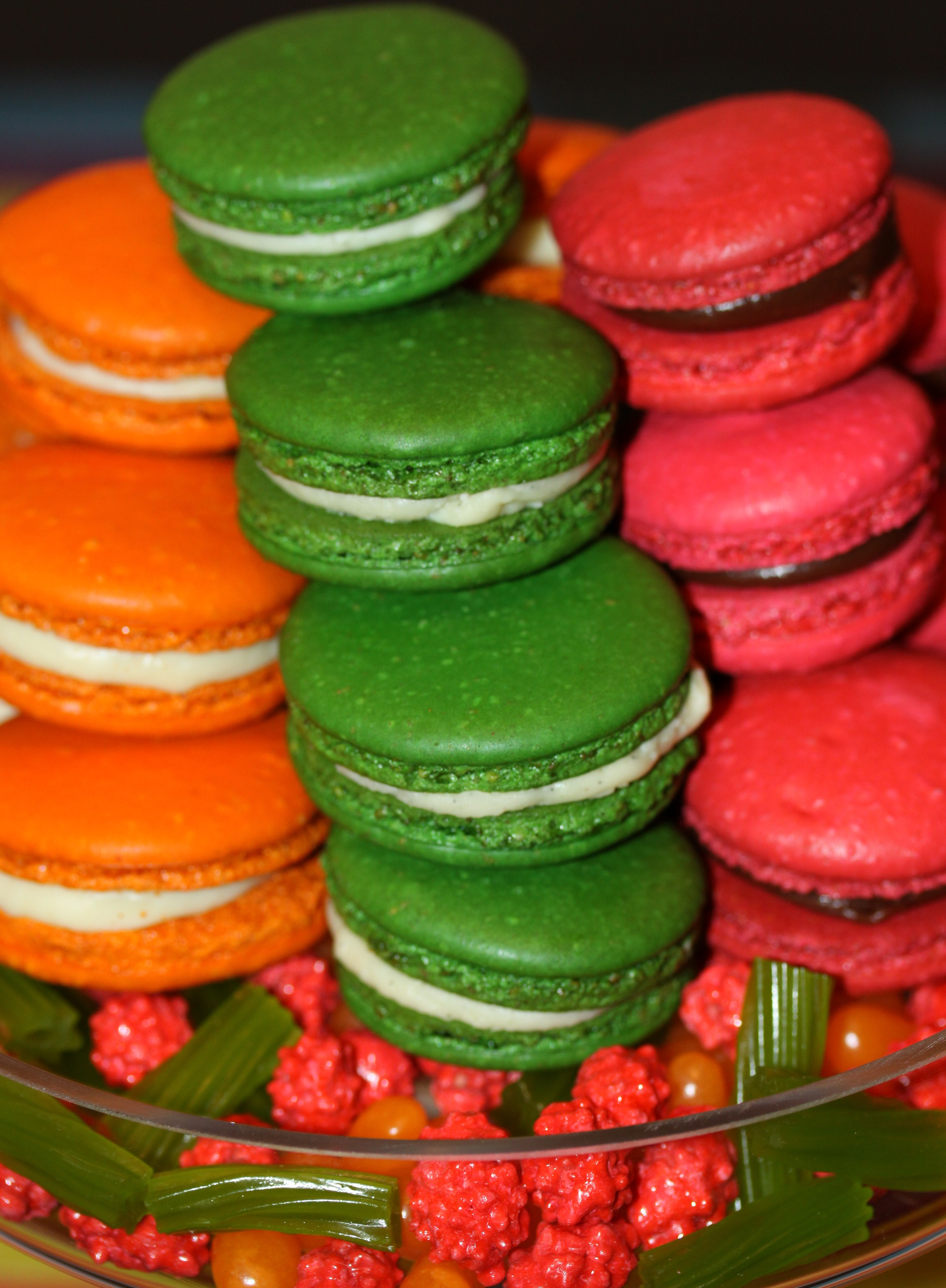 Easter (or Engagement) Macarons: achieving the right color – One ...