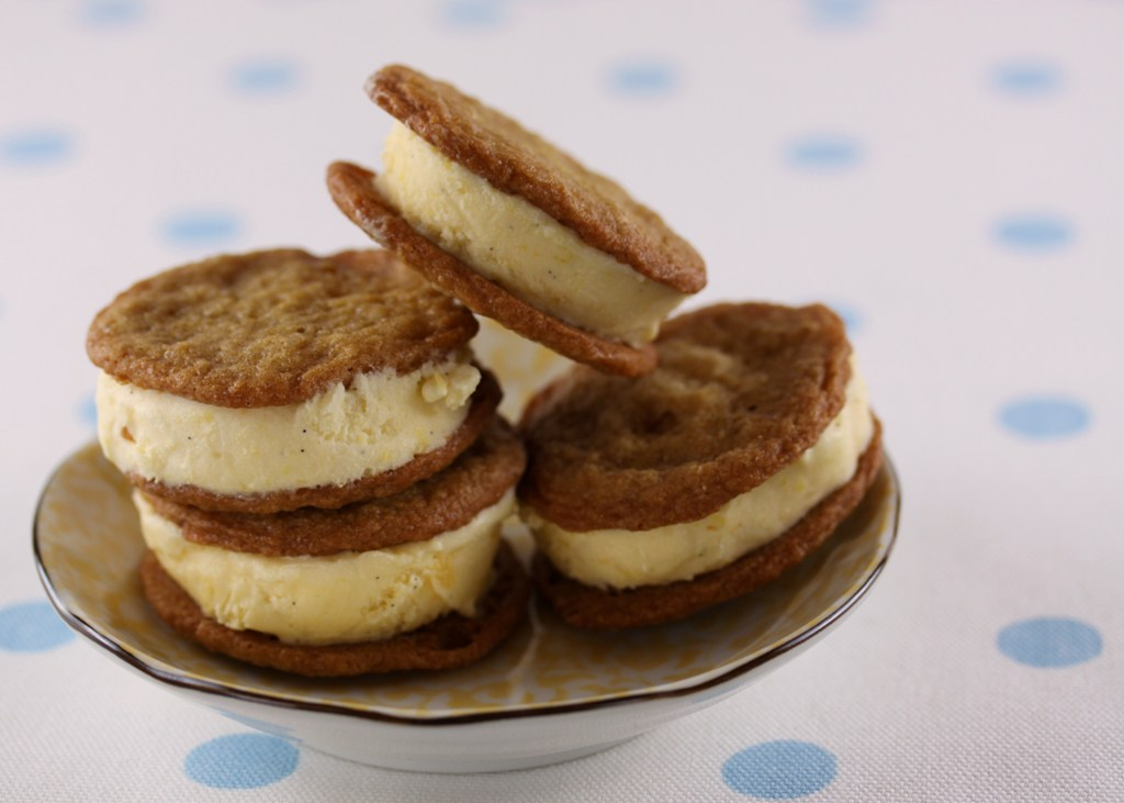 peach-and-brown-sugar-cookie-ice-cream-sandwiches-1.jpg
