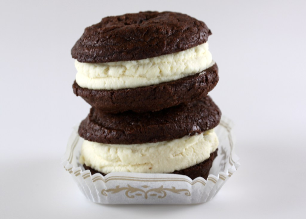 Brownie Whoopie Pies with Mascarpone Filling | One Vanilla ...