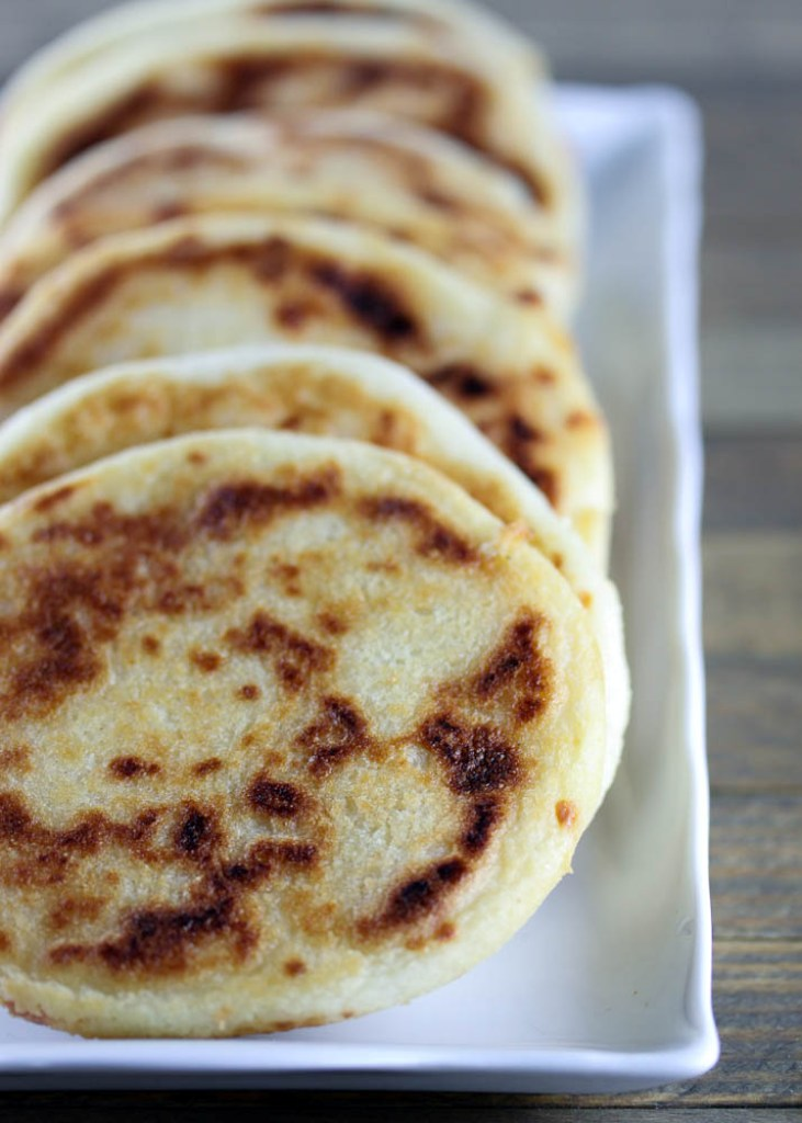 arepas makes about 8 arepas 2 cups white corn masarepa