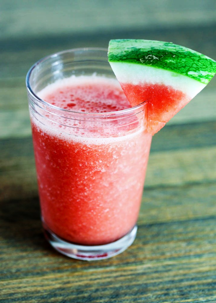 Watermelon vodka summer drink plus a watermelon basket for Drinks with simple syrup and vodka